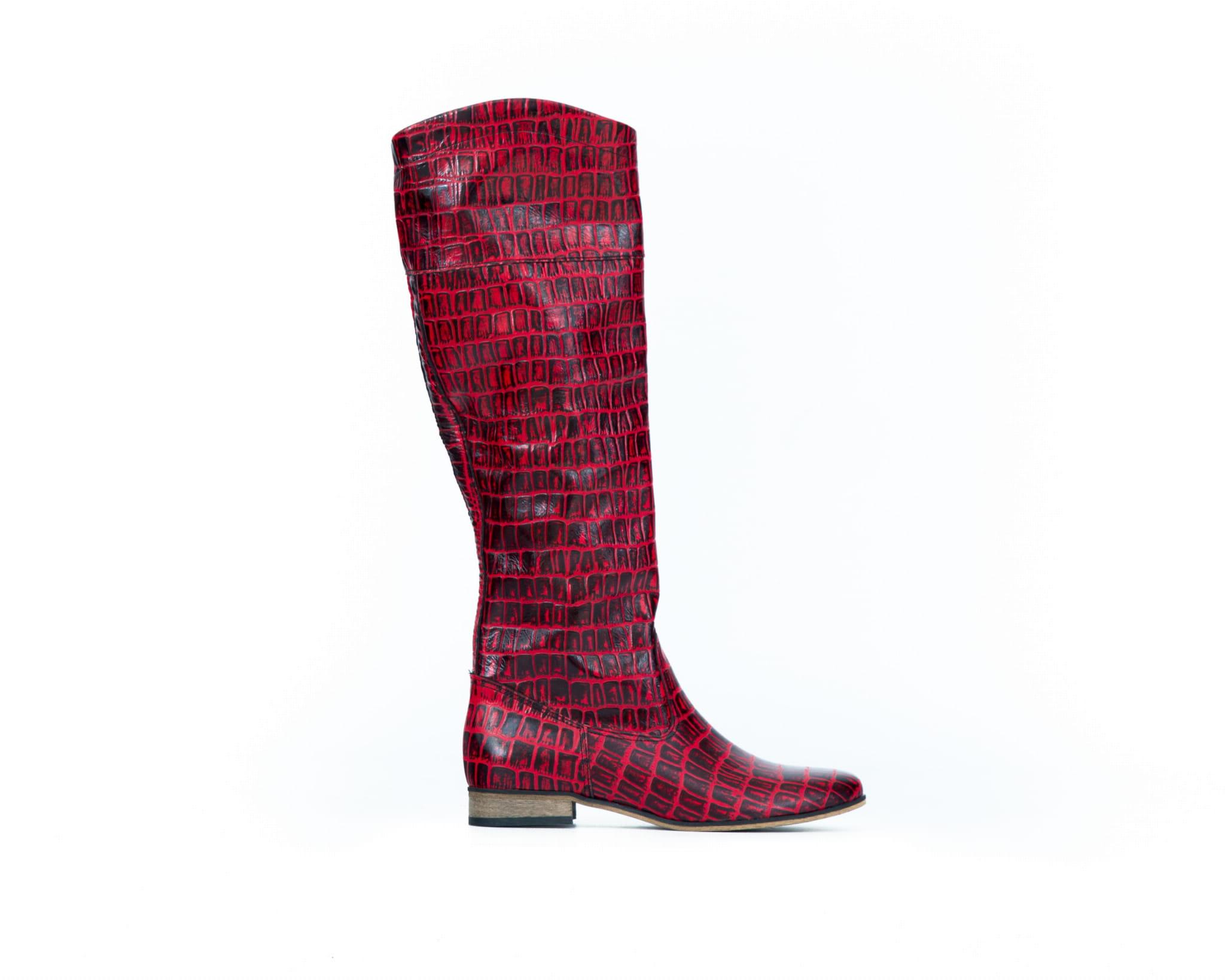 wsuwane kozaki z tłoczeniem skóra naturalna model 125 kolor czarno czerwony krokodyl